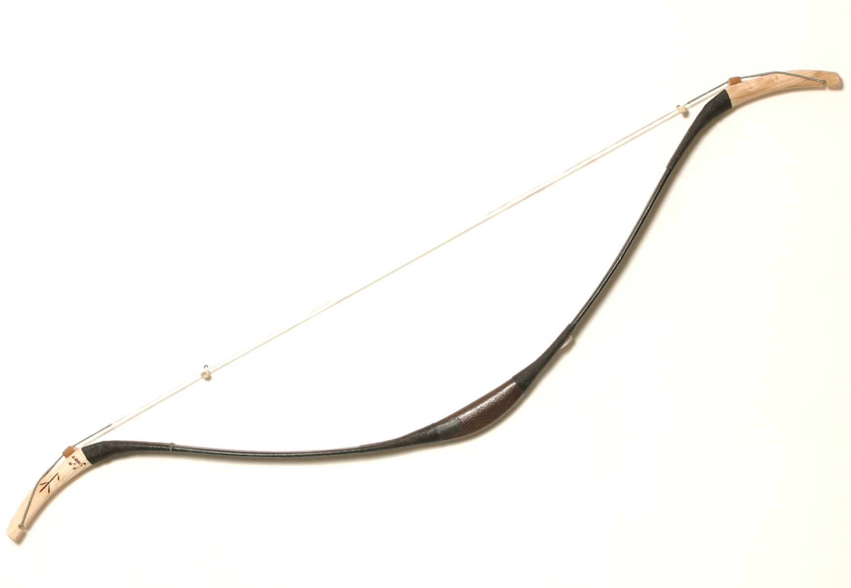 Grozer Assyrian recurve bow